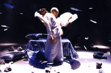 新世紀,天使隱藏人間 (1996)